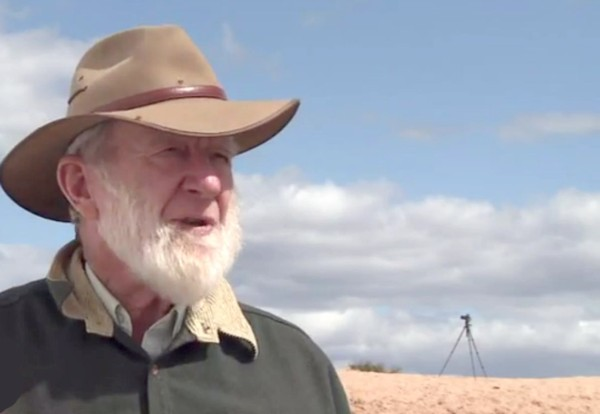 Professor Jim Bowler at Lake Mungo in 2014
